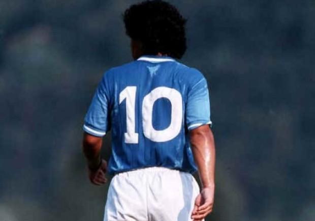 Maradona è meglio di tutti. Batte Valentino Rossi