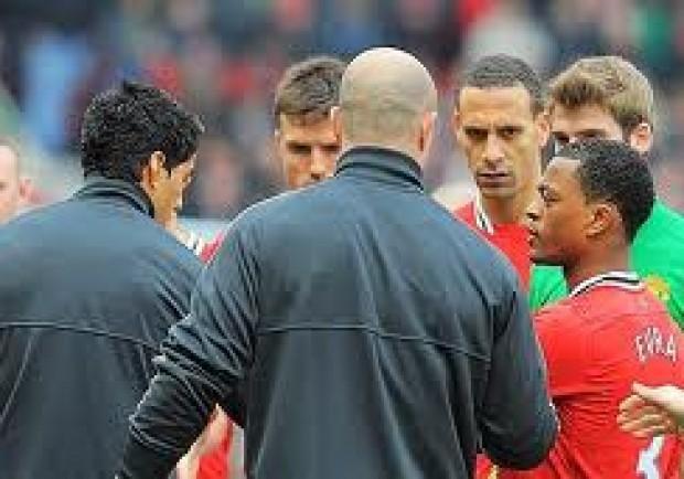 """Alex Ferguson: """"Suarez è una disgrazia per il suo club"""""""