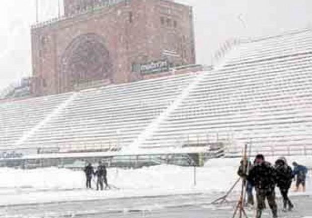 Il calcio dimezzato da neve e gelo