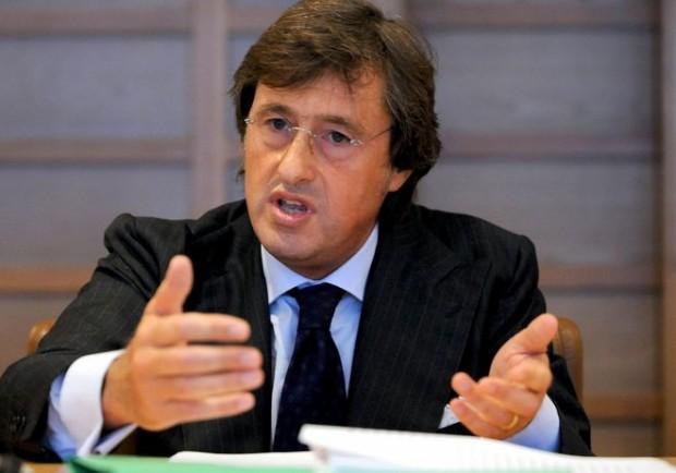 Palazzi pronto a dimettersi, solo Petrucci lo difende…