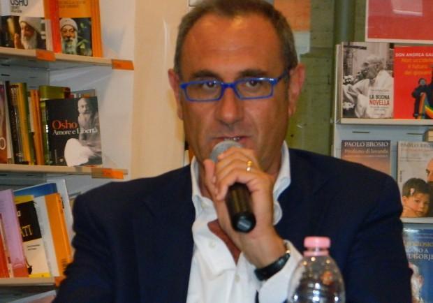 La lettera di Gino Rivieccio: «Mio caro  giornalista, sono felice di puzzare»