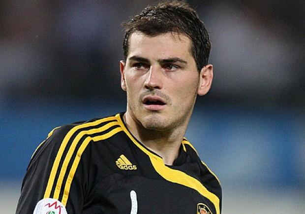 """Casillas lascia il Real dopo 25 anni: """"Hola Madrid, sempre nel mio cuore"""""""