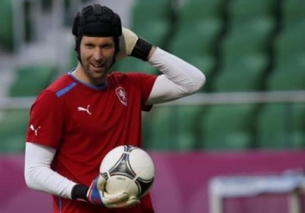 SKY – Napoli, chiesto il prestito di Cech all'Arsenal. Piacciono anche Areola e Meret