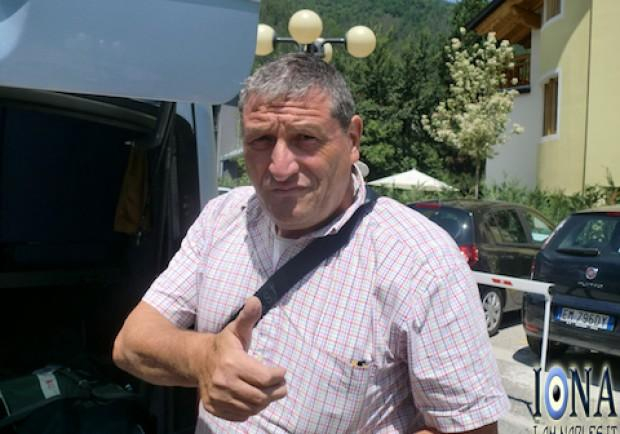 FOTO – Starace ed il suo caffè: il magazziniere azzurro accoglie i ragazzi a Castel Volturno