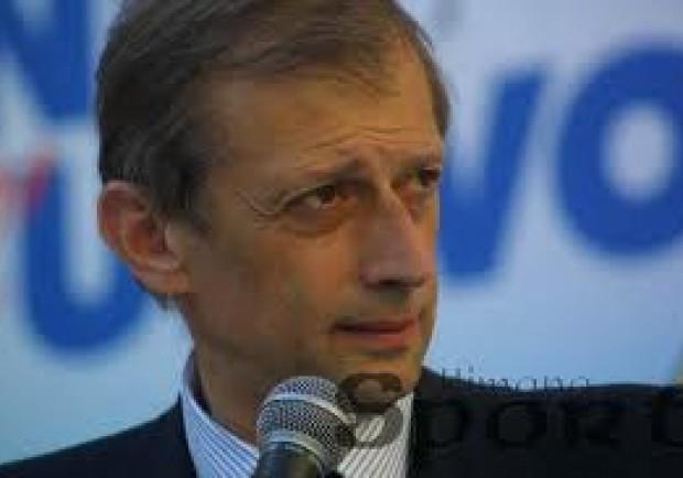 Fassino si scusa con de Magistris: «Lo abbraccio»