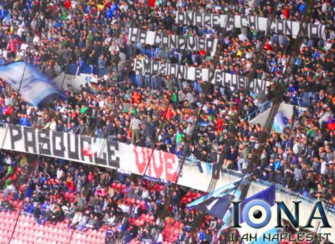 striscione pasquale romano LIVE  45  Napoli Chievo 0 0, manca solo il gol agli azzurri