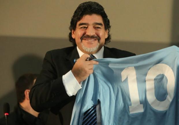 """Francini: """"Un'emozione sedermi accanto a Maradona: è felice della sua nuova relazione e ora sta bene"""""""