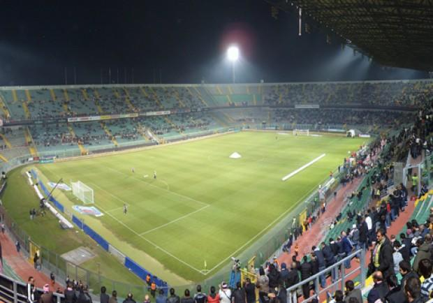 Palermo-Lazio, scontri in pieno centro tra le due tifoserie: tre i feriti