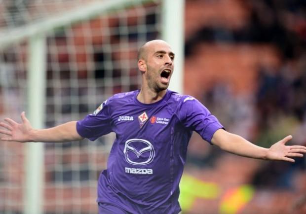 FOTO – Fiorentina-Inter, striscioni dei tifosi per Borja Valero e contro la società viola