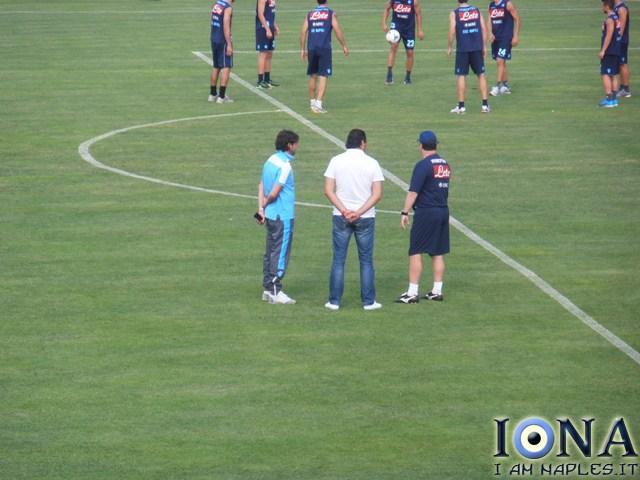 saurini benitez LIVE  Irrompe sul campo di Carciato Saurini, che colloquia con Rafa Benitez