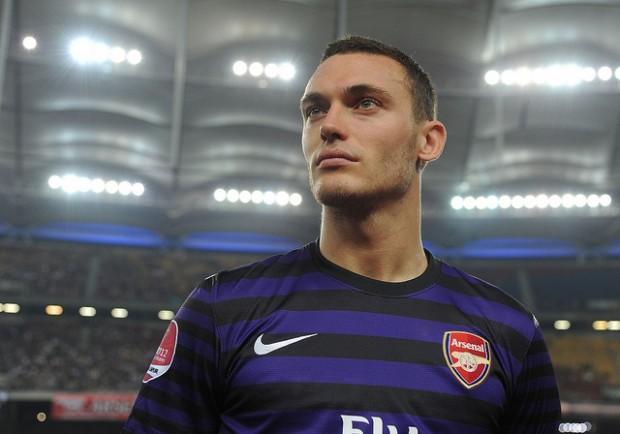 Vermaelen è ai margini del progetto Wenger, il Napoli tenta il colpo…