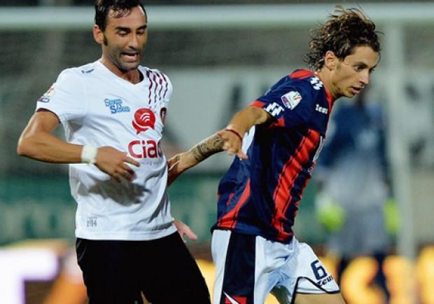 Serie Bwin, Crotone-Siena 0-0: prova sufficiènte di Dezi, in campo fino al 90′