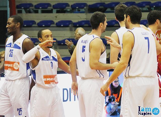 Photogallery expert napoli pallacanestro trieste 85 81 for Expert napoli di lella