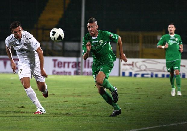 Avellino-Pescara 1-1: a Fabbro risponde Caprari. Ancora una beffa nel finale per i Lupi