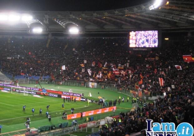 VIDEO – Roma, capitale … del razzismo. Ancora cori anti-Napoli da parte della Curva Sud