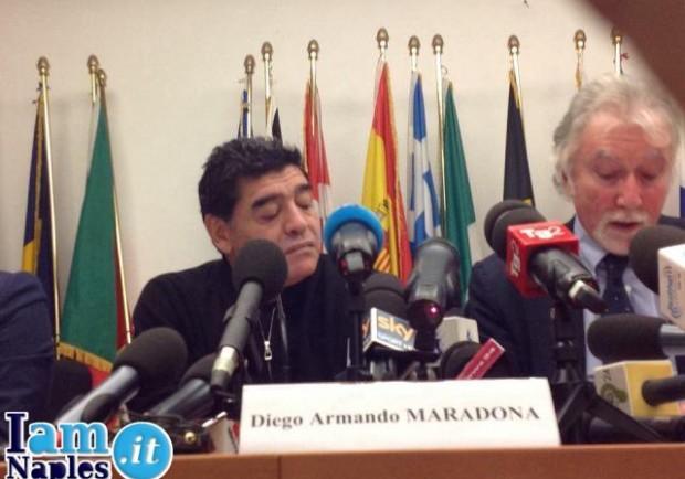 VIDEO – Ecco il botta e risposta tra Maradona e un inviato delle Iene…