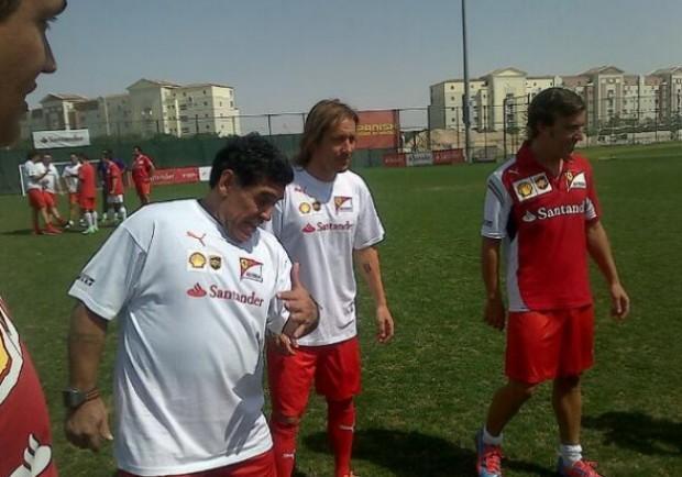 FOTO – Ecco gli scatti della giornata in rosso Ferrari di Diego Maradona a Dubai