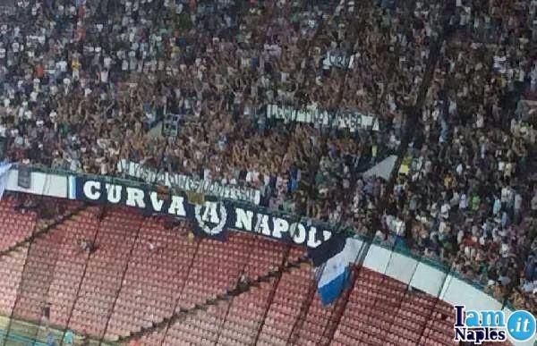 striscione curva A Napoli-Sparta Praga copia