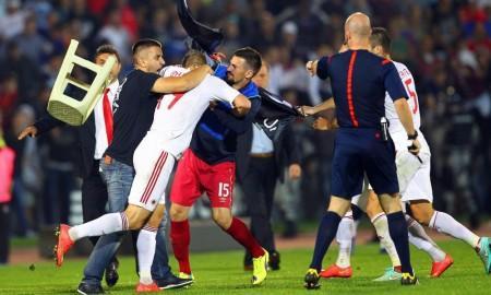 Serbia-Albania, centinaia di albanesi protestano a Nyon davanti alla Uefa