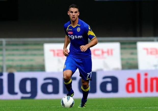 Verona-Cagliari 1-0: l'allievo stende il maestro. Tachtsidis-gol, gioia Verona