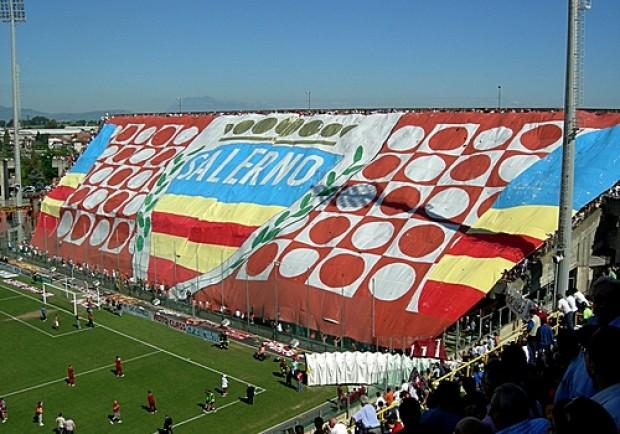 Serie B, la Salernitana batte 2-1 il Benevento. Presenti tifosi del Liverpool e dello Schalke 04