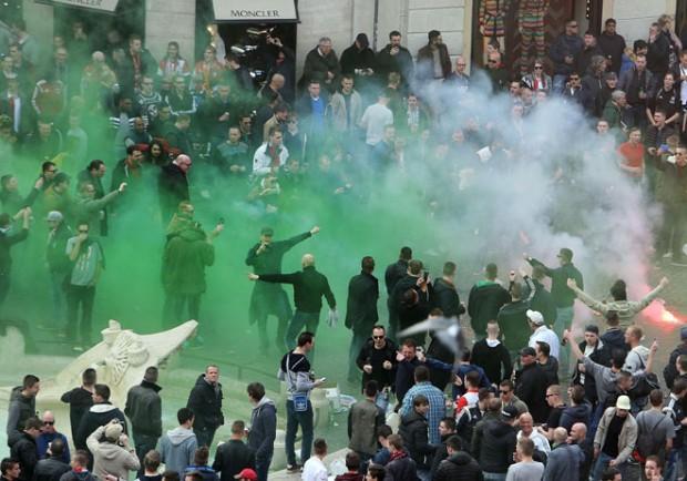 Lazio sconfitta con l'Anderlecht, scontri tra tifosi: 20 arresti