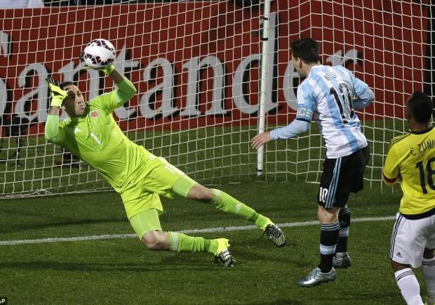 VIDEO – Coppa America, Argentina-Colombia: 5-4 d.c.r. Zuniga sbaglia, Tevez no