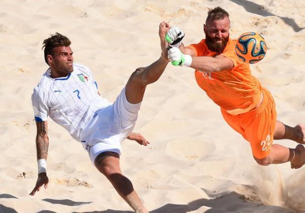 FOTO – Giochi Europei a Baku, l'Italia del beach soccer si arrende alla Russia: è argento per gli azzurri