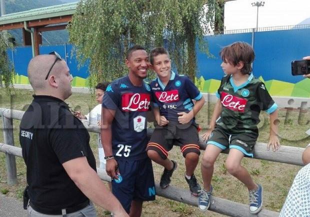 FOTO – El Kaddouri e De Guzman posano insieme ai tifosi azzurri