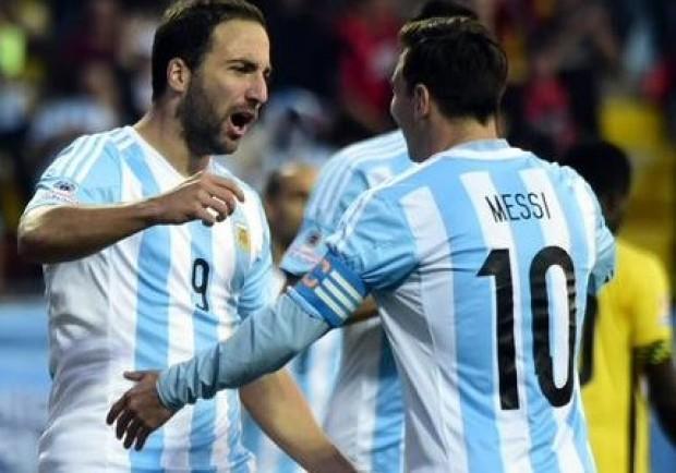 "FOTO – L'ironia di Eurosport: Messi e la ""sfortuna"" di Higuain"