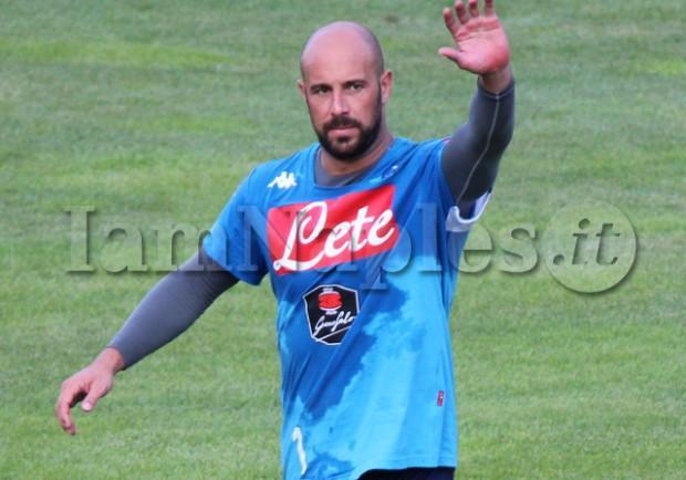 "VIDEO – Reina saluta i tifosi da Dimaro: ""Ciao ragazzi, forza Napoli"""