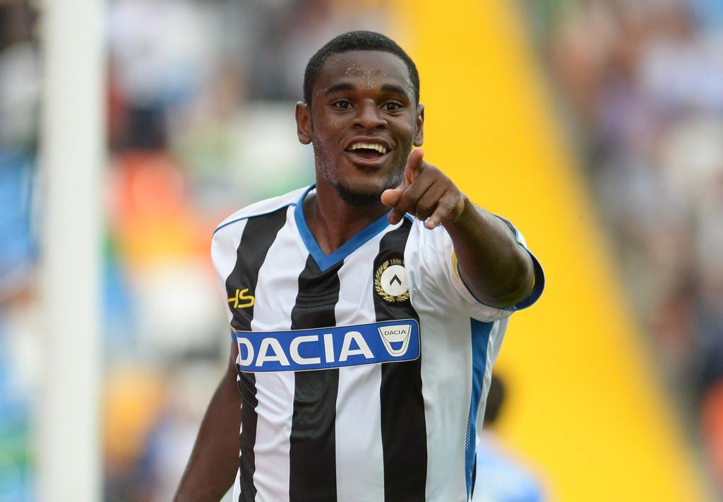 Udinese riecco duvan zapata il colombiano torna ad for Divano zapata