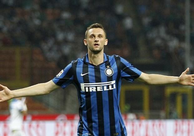 Il Napoli fa scuola: l'Inter rinnova il contratto a Brozovic con clausola per l'estero