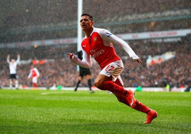 Dall'Inghilterra: Sanchez dell'Arsenal può finire al Manchester City: il cileno può andare a rafforzare gli avversari del Napoli in Champions