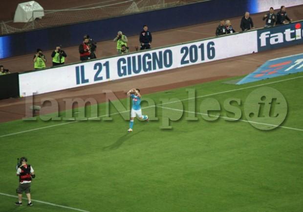 Prima tripletta per Mertens in maglia azzurra, dieci gol in stagione