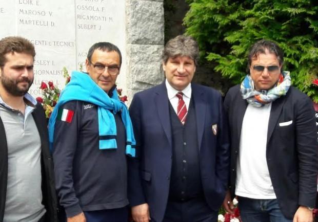 FOTO – Il Napoli di Sarri a Superga per rendere omaggio al Grande Torino