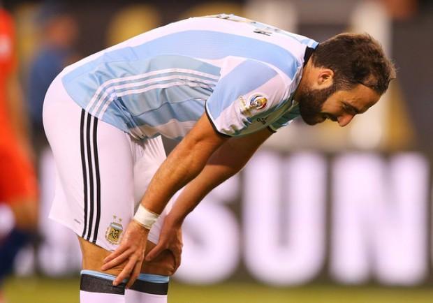 VIDEO – Perù-Argentina 2-2, Higuaìn illude con una perla. Mascherano, che erroraccio!