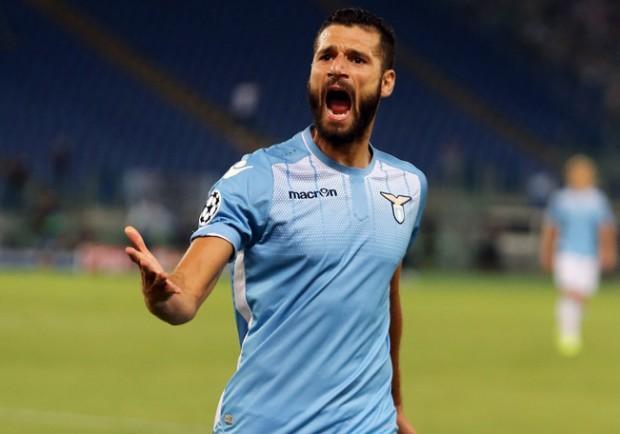"""La Lazio risponde a Candreva: """"Poteva andare al Napoli, ma lui ha scelto l'Inter"""""""
