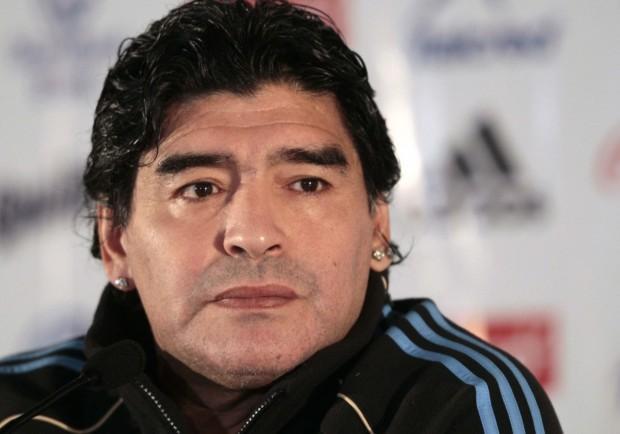 Gossip e nuove battaglie col Fisco: il ritorno di Diego Maradona in Italia fa notizia