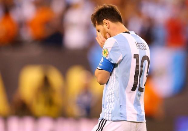 Argentina, Messi torna a casa per la pubalgia: il Barcellona trema…