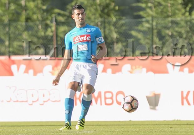SKY – Napoli, problemi col passaporto per Albiol. Il calciatore dovrebbe partire per Kiev