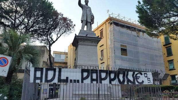 Napoli, esplode la rabbia contro De Laurentiis