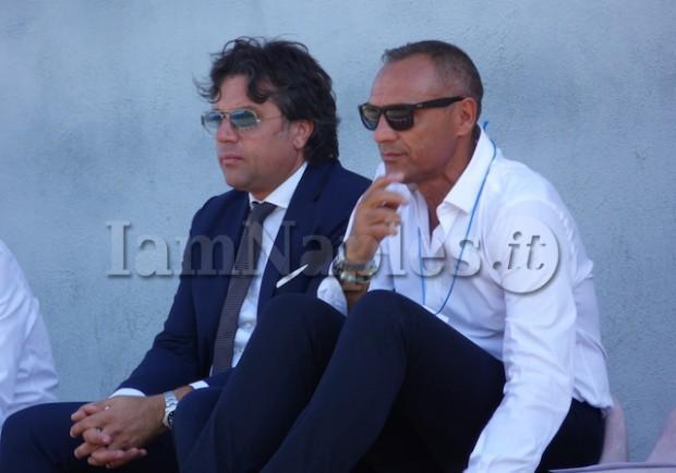 FOTO ESCLUSIVE – Giuntoli in tribuna a Frattamaggiore con il braccio destro Matteo Lauriola