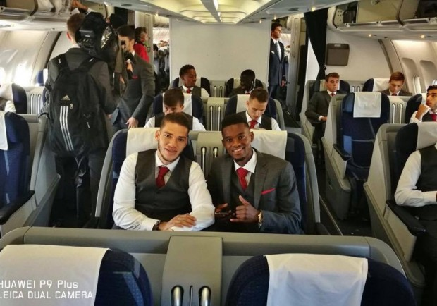 FOTO TWEET – Il Benfica è partito per Napoli, gli scatti