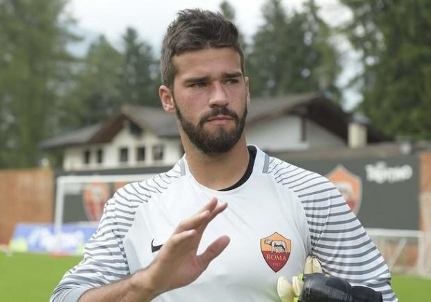 """Roma, i turbamenti di Alisson: """"L'alternanza con Szczesny non mi fa bene…"""""""