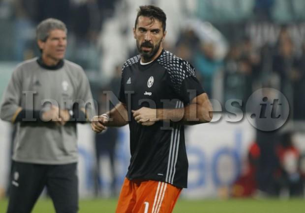 """Buffon """"chiama"""" Donnarumma: """"Vieni ala Juve, non è mai una scelta sbagliata"""""""