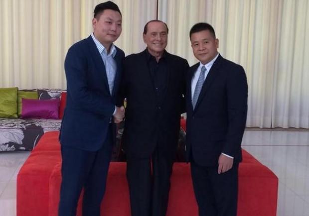 La Lega strizza l'occhio ai cinesi. Sky e Mediaset pronte alla battaglia legale