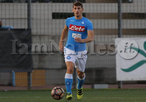 FOTO – Turris, ufficiale l'acquisto dell'ex Primavera del Napoli Gennaro De Simone