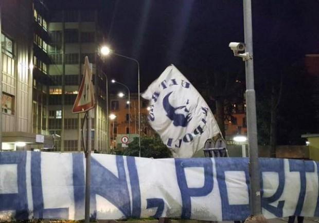 """FOTO – Ultras Napoli al Santobono: """"Cara Befana, porta la salute a tutti i bambini!"""""""