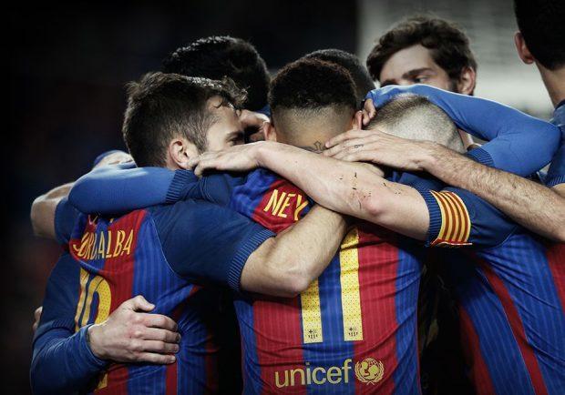 FOTO – Barcellona, la seconda maglia 2017/2018 è quella della…Roma!
